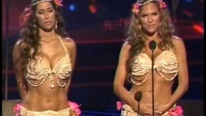 Kaya Ve Sadie Belly Dance Americas Got Talent -