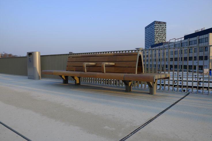 FSC hout: stoer, sterk, duurzaam, comfortabel. Mooie combinatie!