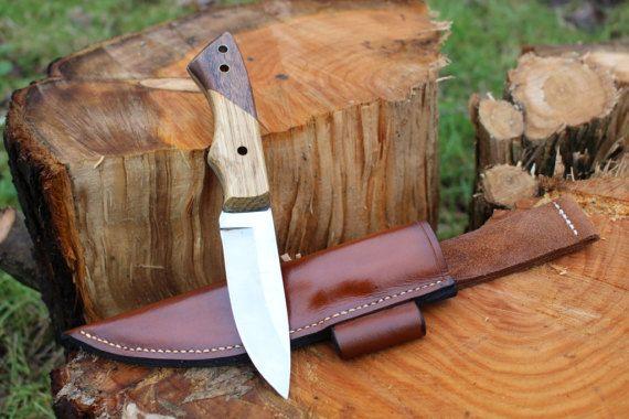 Bushcraft principiante acero inoxidable cuchillo Bushcraft: Este cuchillo está diseñado con al aire libre en mente y propósito. Es una nivel de entrada lámina resistente del acero inoxidable con los más difíciles tipos de maderas tratadas para escalas. Tiene una hoja de acero inoxidable
