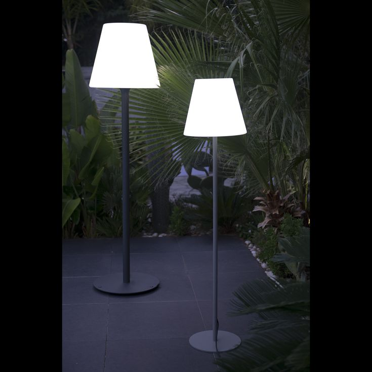 Les 25 meilleures id es de la cat gorie lampadaire jardin for Lampadaire exterieur bois