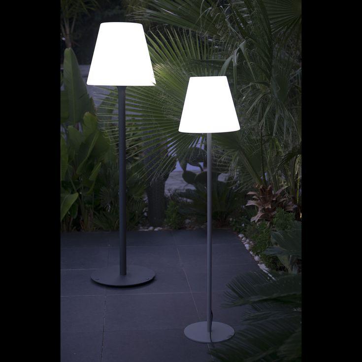 Craquez pour ce lampadaire luxueux élaboré par LUMISKY : il apportera une touche de déco moderne aussi bien à votre intérieur qu'à votre extérieur.