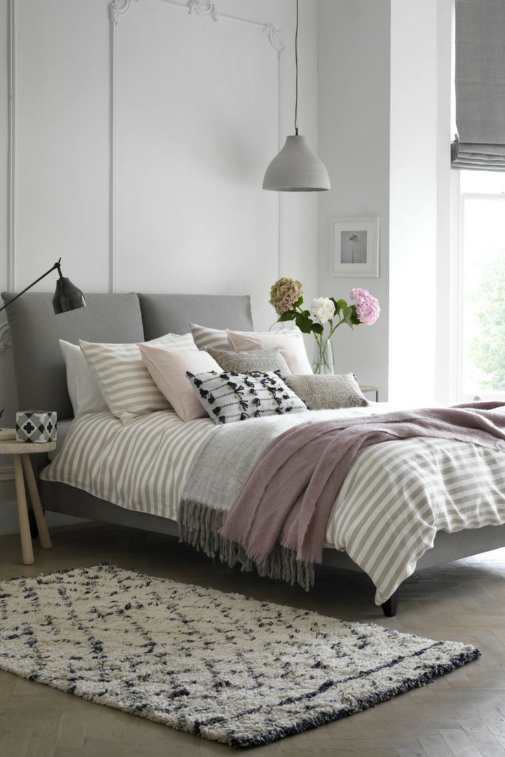 Create your own Custom Bed with Button & Sprung.  Choose your Style.  Choose your Fabric.  Request up to 8 FREE fabric samples & product cards for next day delivery.