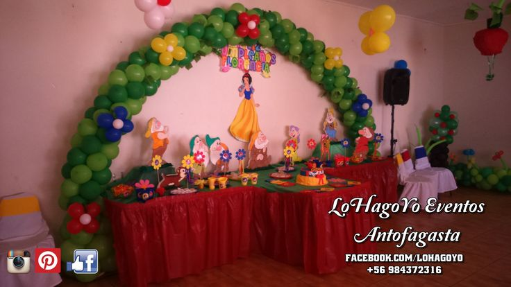 Arco de globos decoración temática Blanca Nieves