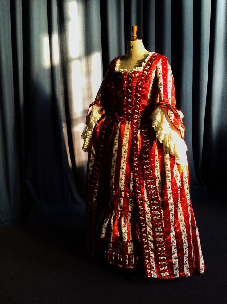 Reproduction Georgian sack back gown, created by The Costume Project, Ironbridge Gorge Museum Trust, Coalbrookdale, Shropshire. 2016. Commissioned by the Fashion Museum, Bath.