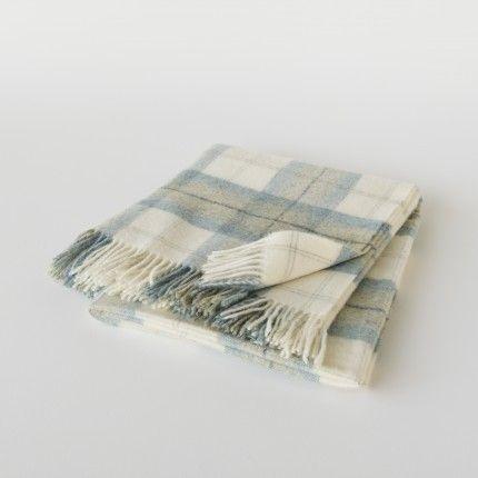 Plaid en laine de Shetland à grands carreaux écossais bleu