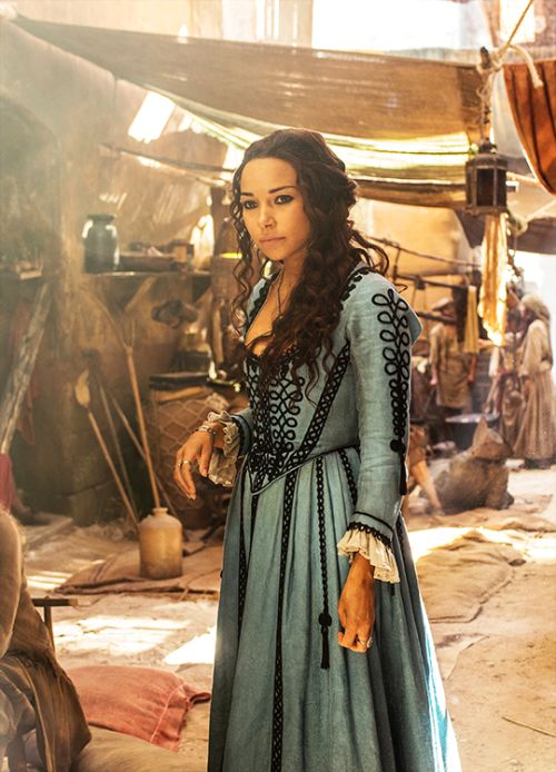 Jessica Parker Kennedy in 'Black Sails' love the black frogging on this blue 17th C style gown