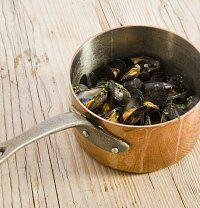 Máte hlad jako mořský vlk? Dejte si nefalšovaný námořnický oběd: slávky.