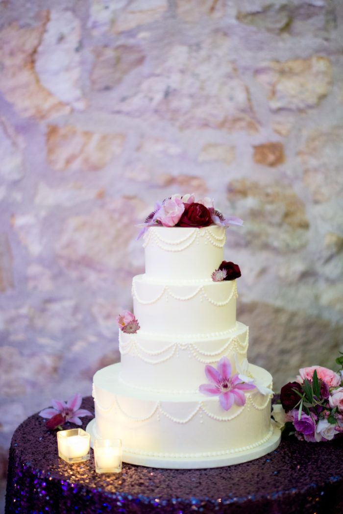 wedding cakes in lagunbeach ca%0A California Vineyard Wedding