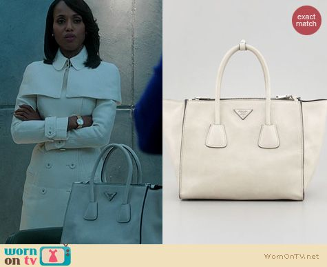 Olivia Pope's white purse on Scandal. Outfit Details: http://wornontv.net/20040 #Scandal #ABC