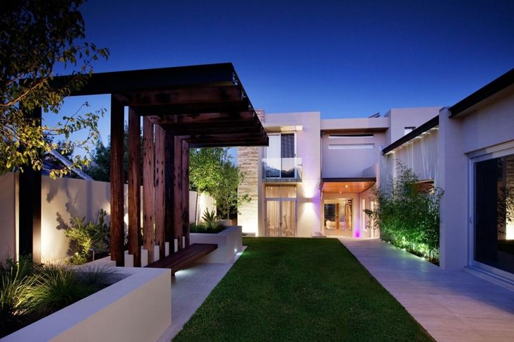 Modern Backyard by Ritz Exterior Design, Australia