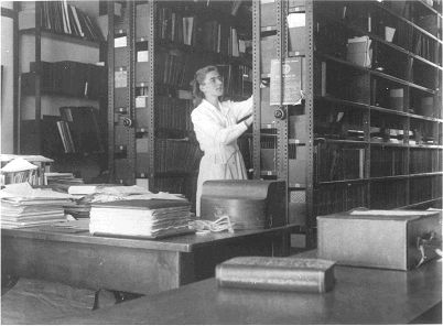 Historical Photo of The NMBL - National Marine Biological Library.
