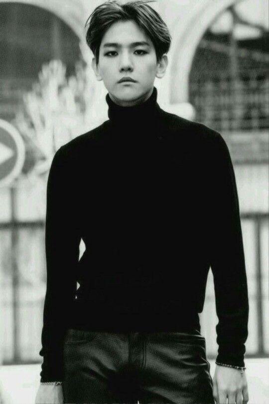 gotta love dat black shirt