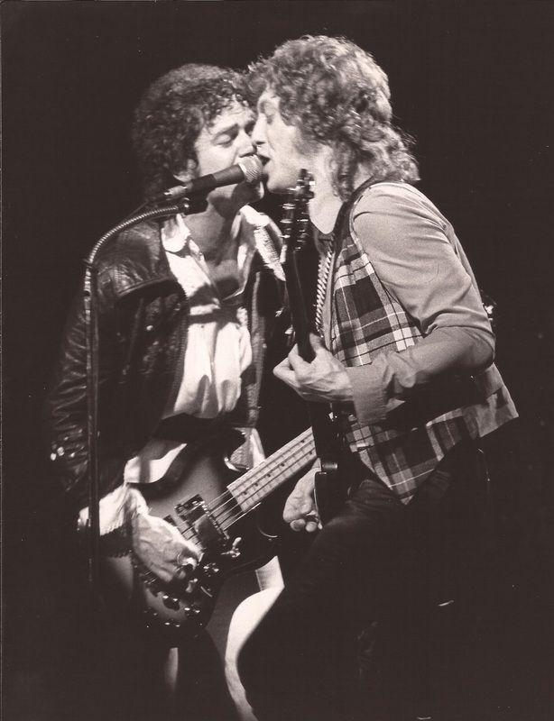 Jim Lea & Noddy Holder #Slade #70s #OnStage #Rockers