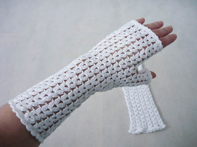 Wrist Warmers – Romantic mittens on the crochet – a unique product by MariaArt on DaWanda