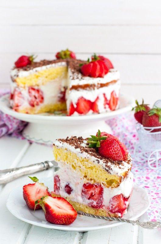 Клубничный торт - Все суета сует... Будь выше - фотографируй!
