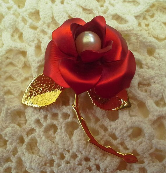 Large gorgeous Vintage Red Rose and faux by teeztreasuretrove