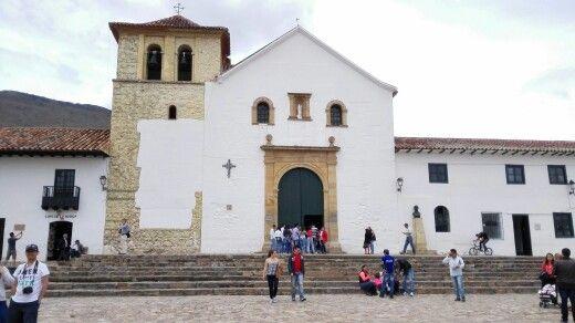 Iglesia plaza de Villa de leyva