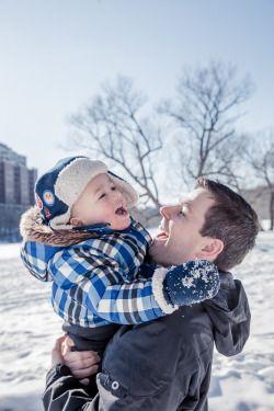 Brooke Wedlock Photography - Winter Fun #babyportraits #babyboy #portrait #familyphotographer #familyportraits #torontophotographer #naturallight #toddler #winter #snow #fatherandson #lifestyle