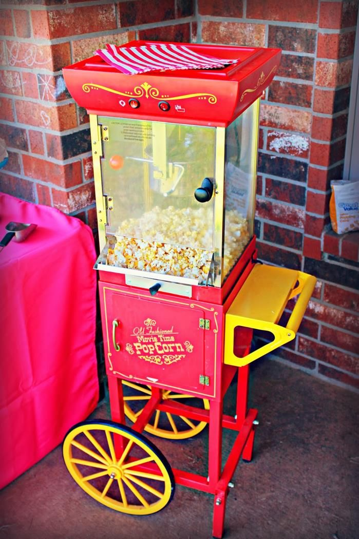 Circus Party with So Many Cute Ideas via Kara's Party Ideas | KarasPartyIdeas.com #CarnivalParty #PartyIdeas #Supplies (17)