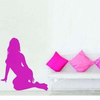 Наклейка по тематике от 2stick.ru Элегантная модель сидит на пляже