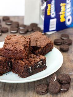 Brownie vegano con galletas Oreo