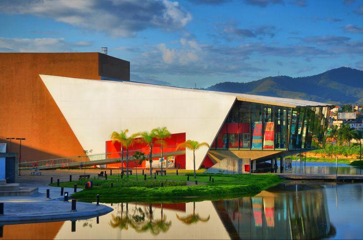As inscrições para o projeto Uzina – Laboratórios de Artes e Produção Cultural e para o Projeto Social do Espaço Cultural Escola Sesc estão abertas até sábado, dia 14.