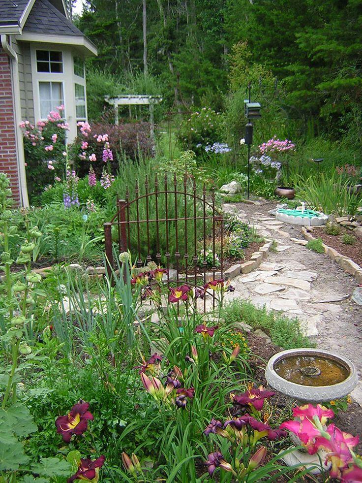 Cottage Garden Path Jpg 750 215 1000 Juniper Front Garden