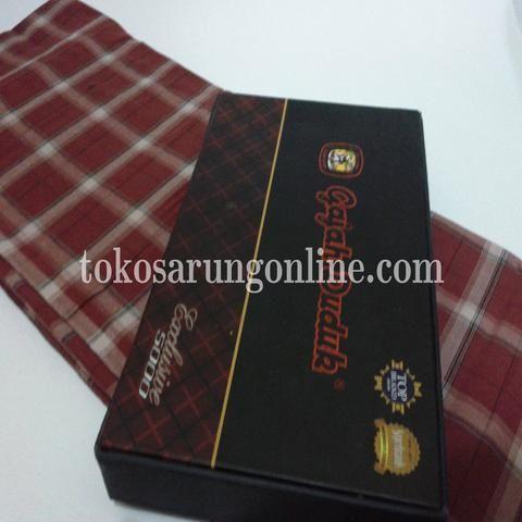 sarung gajah duduk 5000 exclusive. kunjungi http://tokosarungonline.com
