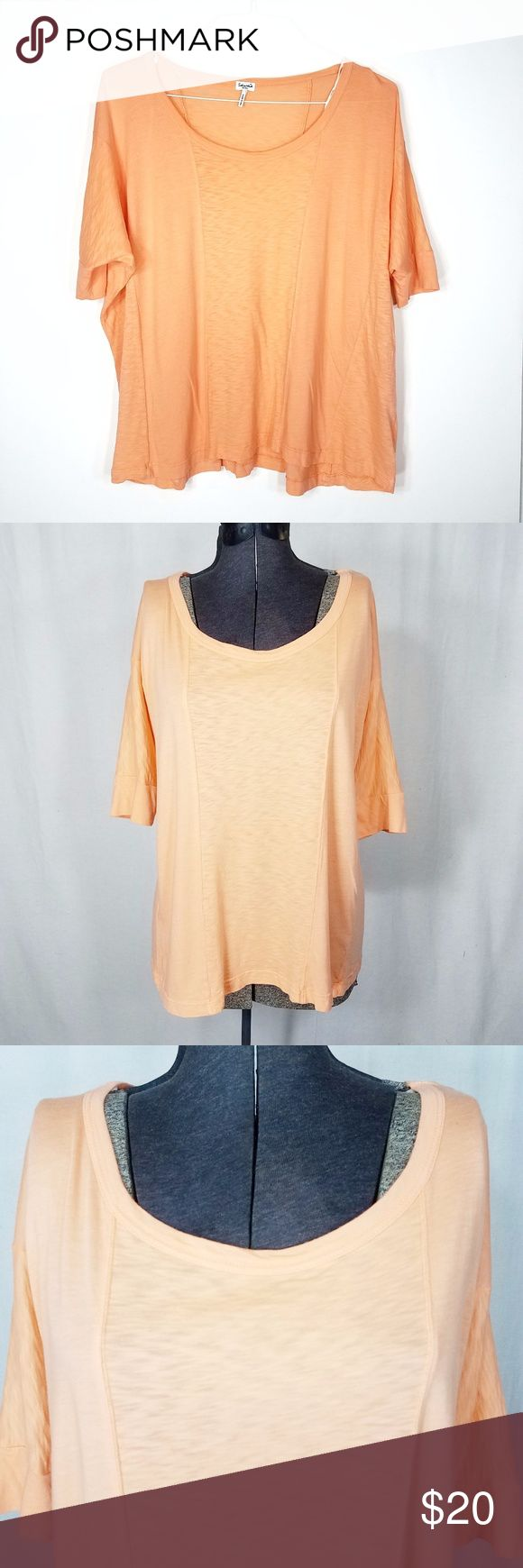 "Splendid Oversized T Shirt Tunic Orange Cotton Sm Splendid Size Small Light Orange Cream  Batwing Sleeve Cotton, Modal Blend Oversized Lightweight Great preowned condition with no holes or stains  Measurements laying flat: Length:25.5""  Bust:26+""  Waist:25+""  Sleeve:6"" Splendid Tops Tunics"