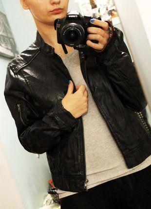 Kup mój przedmiot na #vintedpl http://www.vinted.pl/damska-odziez/kurtki/15351903-czarna-ramoneska