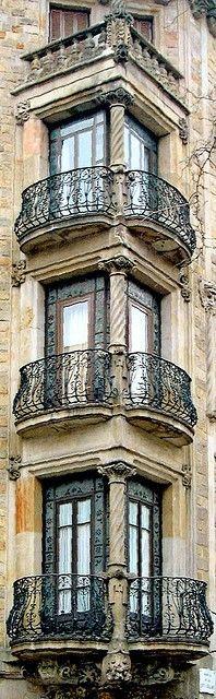 fenêtres d'immeuble, Paris