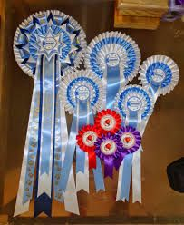 Super selection of sizes in this photo from a clients order over the last few years by Rosettes Spain ~ Escarapelas España.