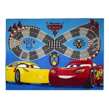 Disney Cars 3 snelweg vloerkleed  Kinderen kunnen lekker spelen liggen en rollen op dit stoere vloerkleed van Disney Cars 3. Het speelkleed heeft een print van Bliksem McQueen en Cruz Ramirez.  EUR 24.99  Meer informatie