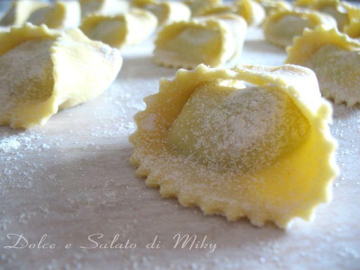 Tortelli di ricotta e spinaci con mozzarella e prosciutto
