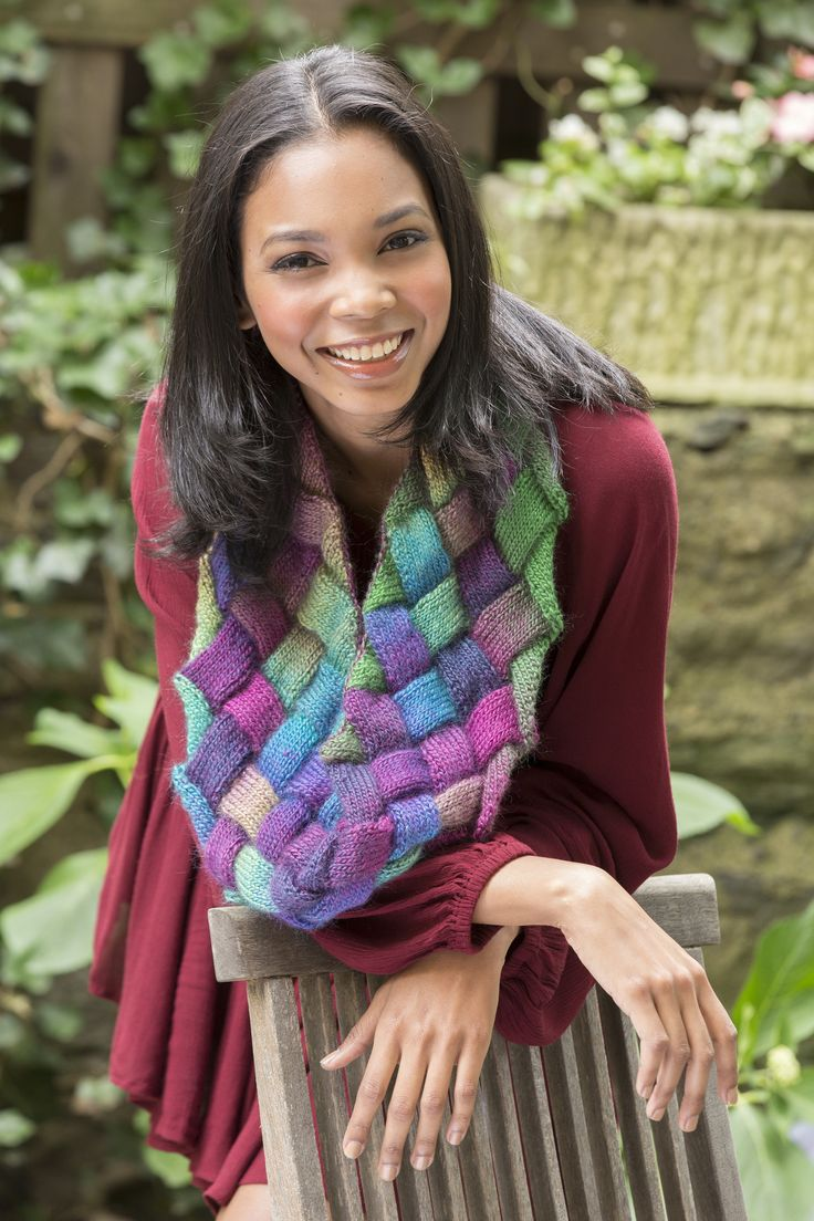 Entrelac Cowl Knitting Pattern : Entrelac Knit Cowl Free Knitting Pattern in Red Heart Boutique Unforgettable ...