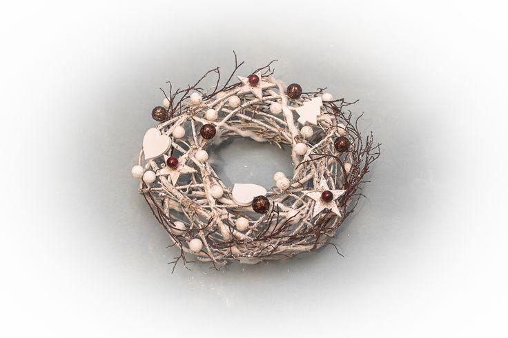 Adventní věnec na dveře - překrásná kombinace Něžný a opravdu krásně zdobený adventní věneček na dveře přivolá tu pravou atmosféru přicházejících Vánoc.. :-)