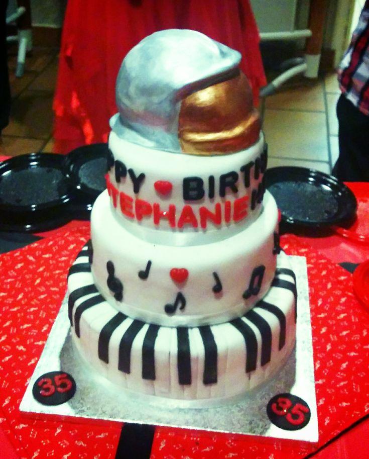 Gâteau thème Musique et Pompier, noir et rouge