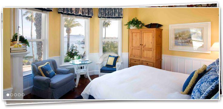 Snug Harbor Inn on Catalina Island - Catalina's Finest Hotel