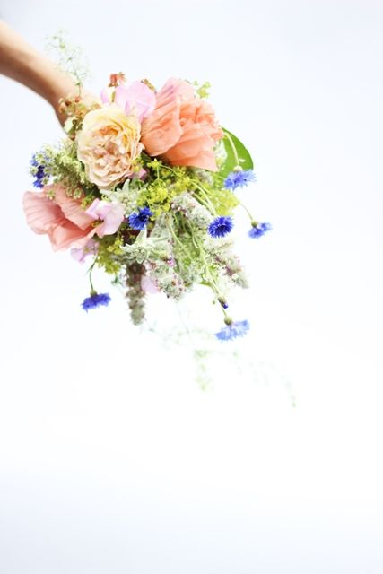 Handgebonden bruidsboeket door Elfi Voermans
