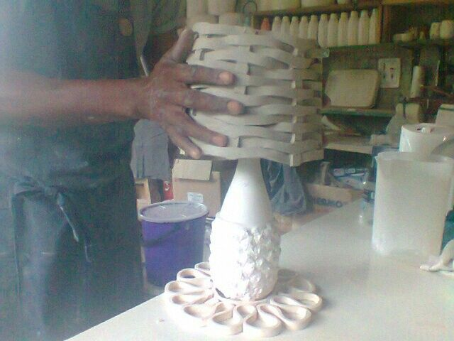 Ceramic weave shade with pineapple customised stand
