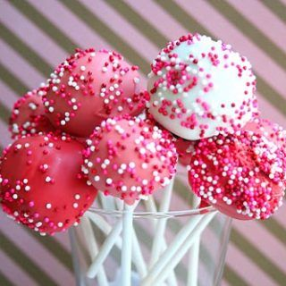 Valentine's Cake Pops (Fun Projects with Kids)