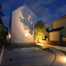 三角屋根とシンボルツリーと大好きな家具に囲まれたおうち   D'S STYLE(ディーズスタイル)