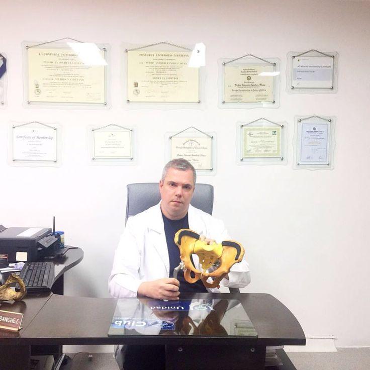 Dr. Pedro A. Sánchez M, MD Cirujano Reemplazos Articulares de Cadera Bogotá, Colombia PBX: 6923370 Ext. 10-02 Consultorio 301.