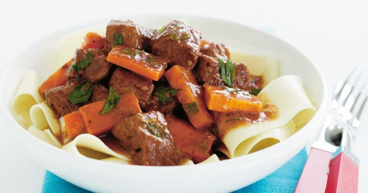 This beef and carrot ragout recipe requires a slow cooker.