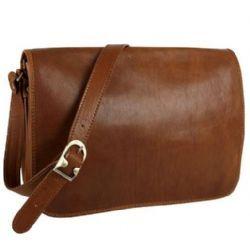 Pellevera,borse business,Dima,borsa uomo donna in pelle,a tracolla,porta notebook,postino.