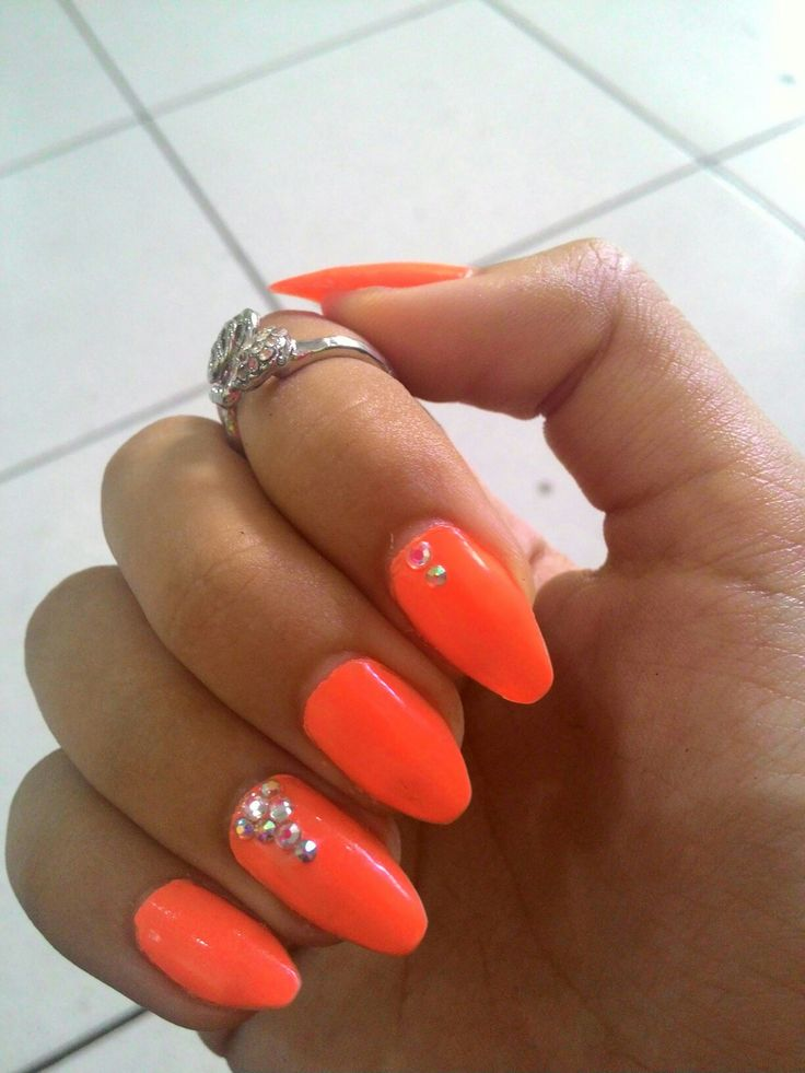02.17 Orange / Coral strass nails