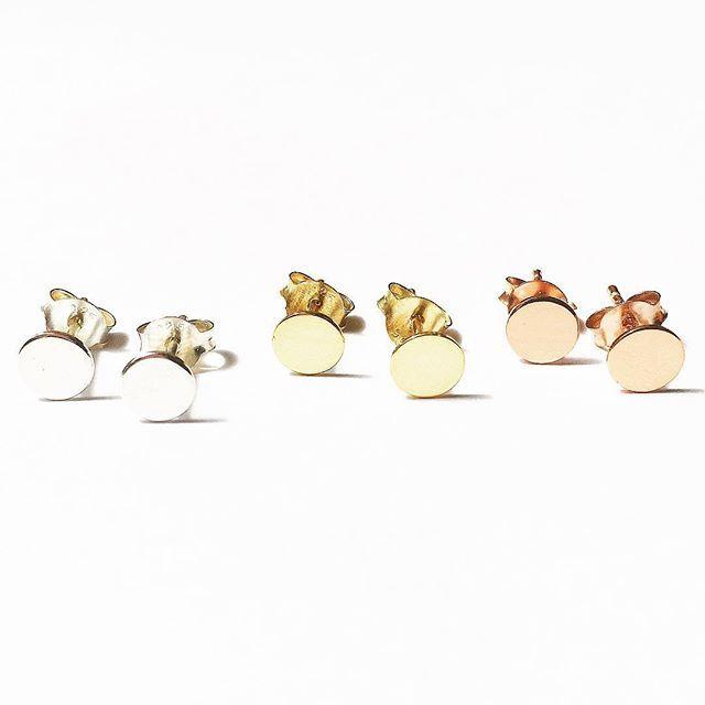 Tiny Disc Earrings     www.gmssilver.com