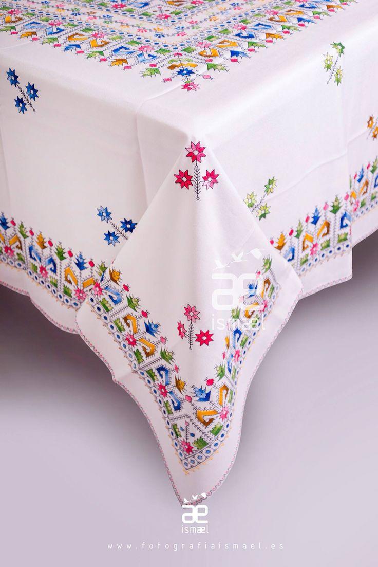 #borados #costura #embroidering #tradicion #Lagartera  http://www.artesaniarociolozano.es