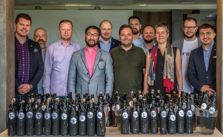 Czy Polska ma szanse stać się winiarską potęgą środkowo-wschodniej Europy? Odwiedzając winnice, rozmawiając z winiarzami oraz próbując ich win, zaczynam wierzyć, że tak!  http://exumag.com/polskie-korki-2017-rozdane-czyli-najlepsze-polskie-wina/