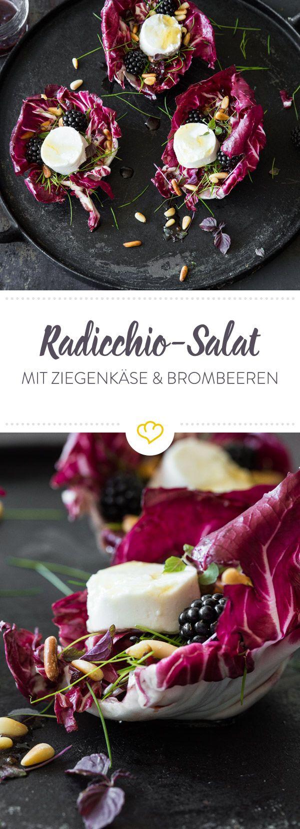 Rot wie herber Radicchio. Schwarz wie süße Beeren. Weiß wie ein cremig-würziger Ziegenkäsetaler. Dieser Schneewittchen-Salat wird dich verzaubern.